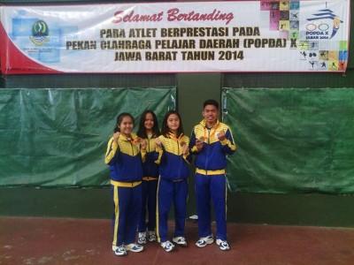 Atlet Karate Dapat emasi di POPDA 2014