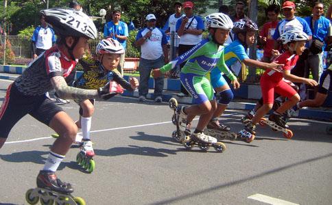 Sepatu Roda (PERSEROSI) – Komite Olahraga Nasional Indonesia Kota ... 71dae4bc87