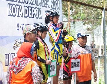 PORKOT Depok – Melalui kepiawaian Alifia tim sepatu roda Bojongsari  berhasil mengumpulkan medali tertinggi dalam PORKOT Depok V yang  berlangsung di kawasan ... fe75bfc786