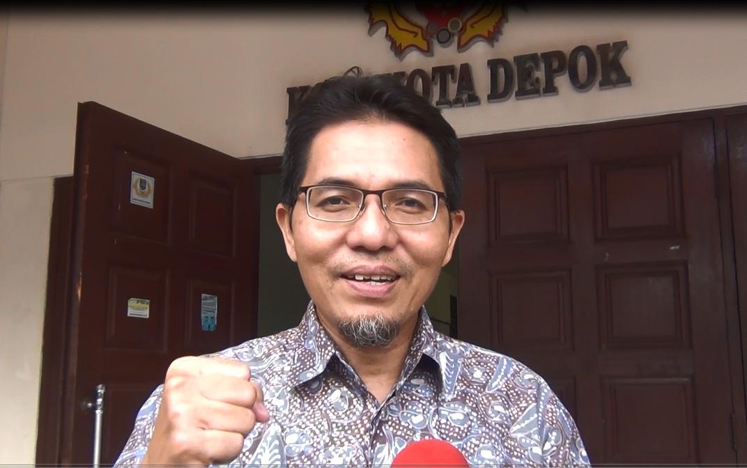 Ketua KONI Kota Depok Drs Amri Yusra M.Si ucapkan selamat bertanding untuk atlet pelajar POPNAS-XIV