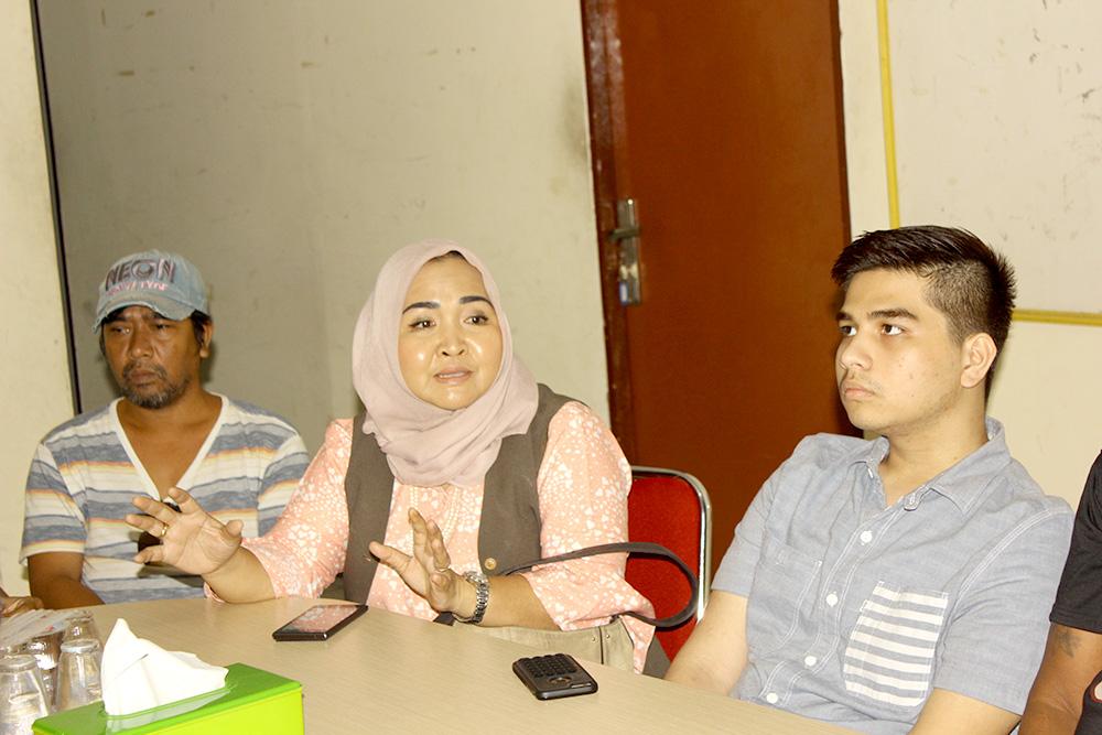 Dewi Anita Saat memaparkan program kegiatanKomunitas Anak Negeri di Kantor Koni Kota Depok