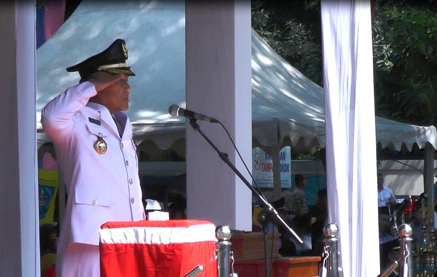 Walikota Depok Saat Menghadiri Upacara HUT RI Ke 72
