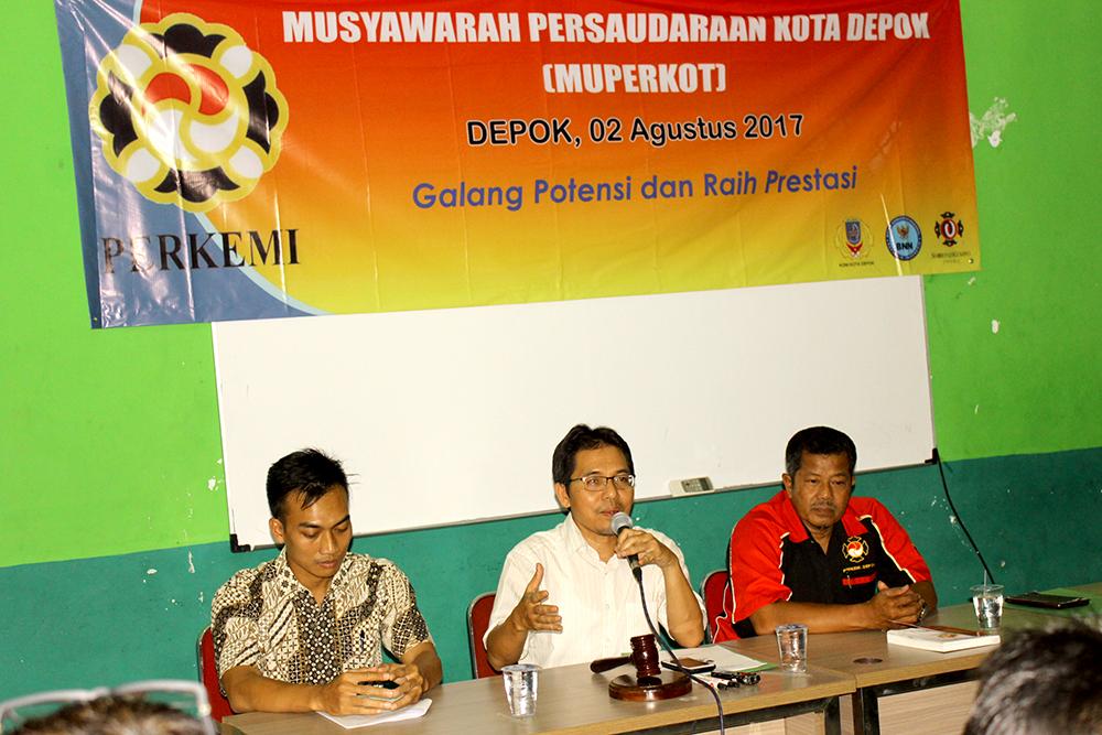 Ketua KONI Kota Depok Drs Amri Yusra M.Si Saat memberikan sambutan diacara Muperkot Perkemi 2017