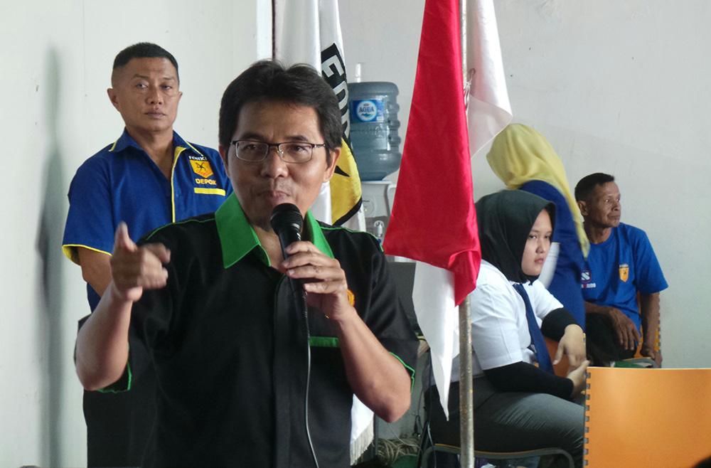 Ketua Koni Kota Depok saat memberikan sambutan dikejuaraan Forki Depok Cup II