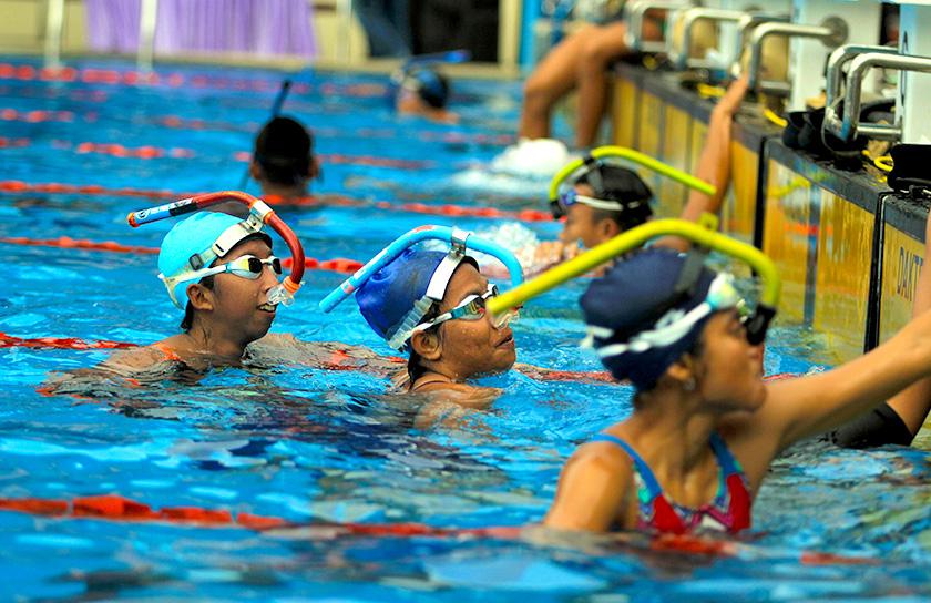 Para Atlet Selam usai bertansing di nomor Men's 100m Fin Swimming