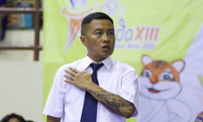 Aksi Waler Siahaan saat memimpin pertandingan BK Porda Jawa barat