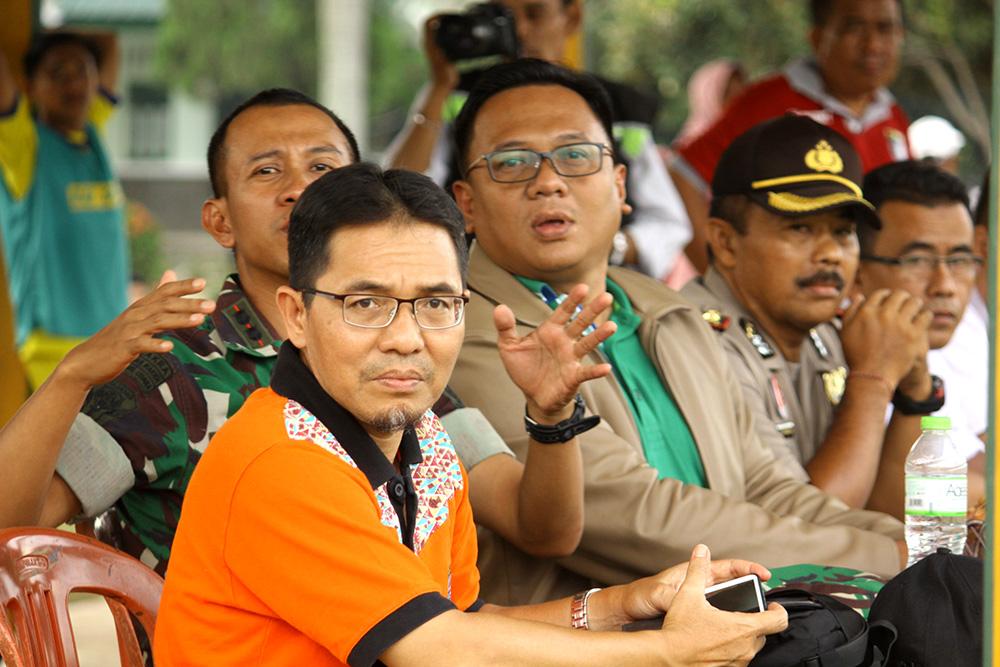 Ketua KONI Beserta Komandan Batalyon dan Wakil Walikota menyaksikan langsung Laga sepakbola BK Porda Jabar