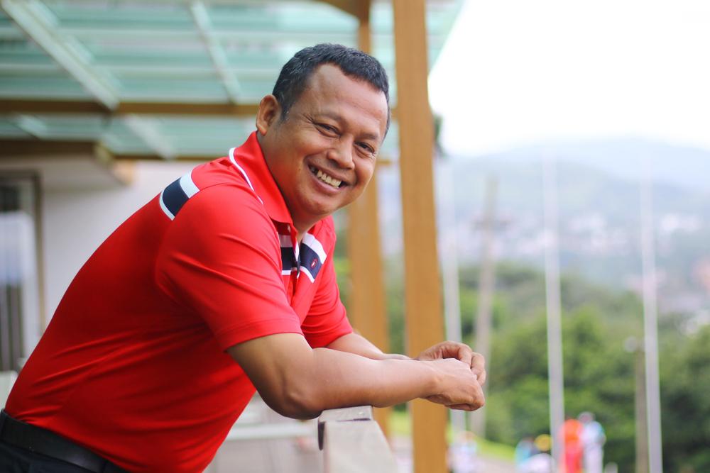 M. Sura, Pelatih Golf Kota Depok saat menyaksikan pertandingan babak kualifikasi Porda Jabar