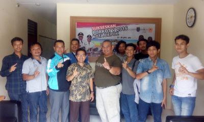 Pengurus IMI Kota Depok beserta Atlet Foto bersama usai melaksanakan audensi di kantor KONI Kota Depok