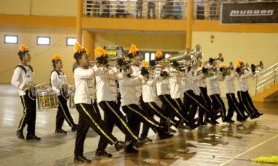 tim drum band kota Depok saat lomba baris-berbaris yang dilaksanakan di gedung kesenian kabupaten Bogor pada ajang BK Porda