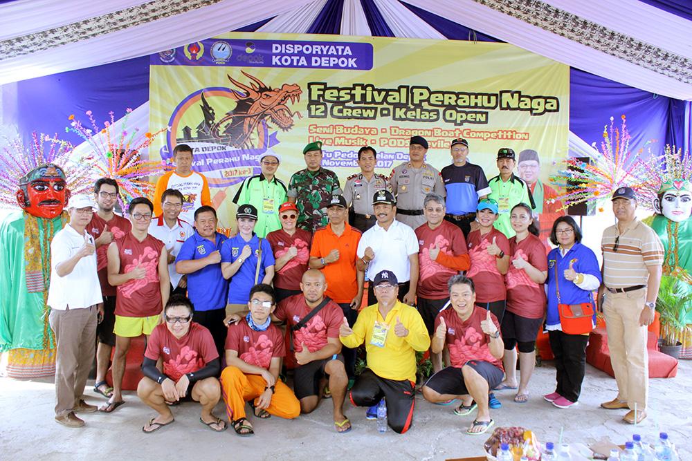 foto bersama Ketua KONI Kota Depok Bersama Forkopimda, jakarta padle club dan Tokoh Masyarakat lainnya