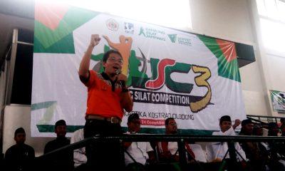 Ketua KONI memberikan semangat kepada pesilat yang akan mengikuti ajang Jampang silat Competition di GOR Kartika Kostrad Cilodong Jawa Barat
