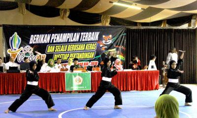 Atlet Kota Depok Lala,Laili,dan Hafifah saat tampil di Ajang BK Porda Jawa barat yang dilaksanakan di GOR Villa Tjokro Cisarua Puncak Bogor Jawa barat.