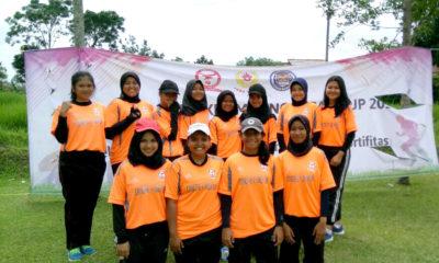 Tim Putri kota Depok foto bersama usai melaksanakan pertandingan di try out pra Porda 2017 di mega mendung puncak Bogor Jawa Barat