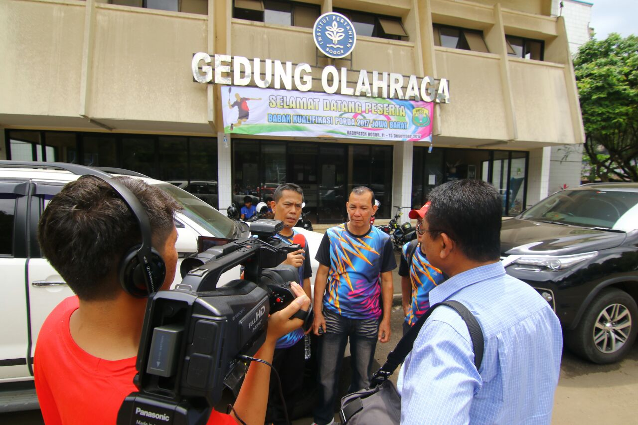 Tim Pelatih Bulu Tangkis saat dilakukan wawancara oleh Humas KONI Kota Depok.