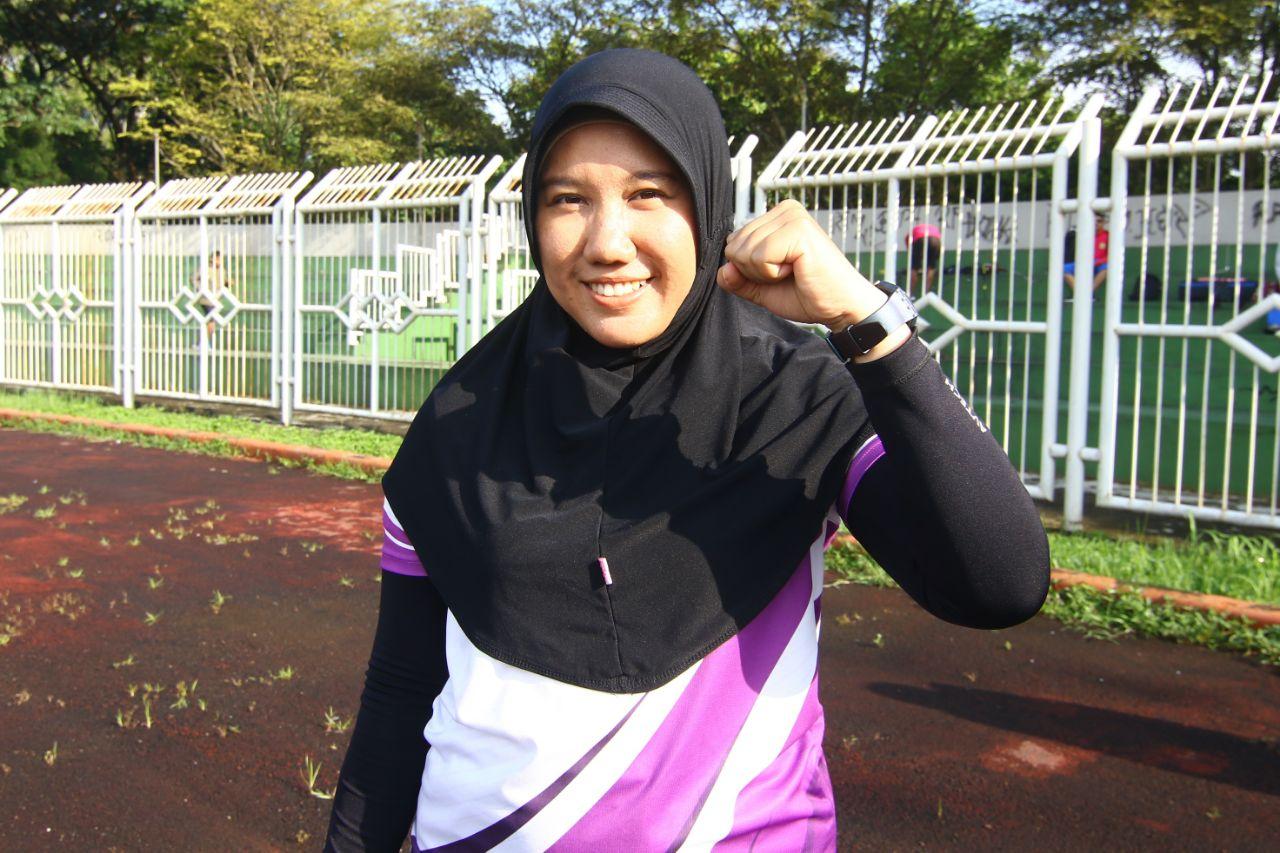 Wulan Atlet panahan Kota Depok yang ikut babak kualifikasi Porda yang dilaksanakan diStadion Wiradadaha Kota Tasikmalaya jabar