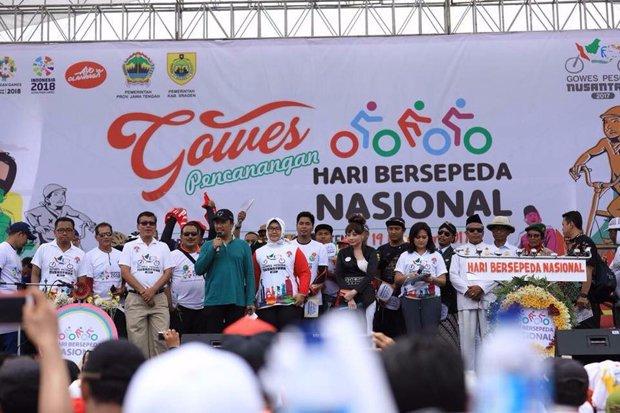Ribuan orang dari komunitas sepeda di Indonesia mendeklarasikan Hari Berspeda Nasional. Foto : Ist