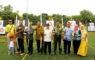 Para tamu Undangan Foto bersama usai secara resmi membuka kejuaraan UI Open Outdoor Archery Championship