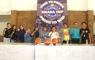 Ketua KONI Kota Depok Drs Amri Yusra M.Si menyempatkan foto bersama panitia SAMDA CUP XI dan kepala sekolah SMAN 2 Depok di GOR Kartika Kostrad Cilodong Jawa barat