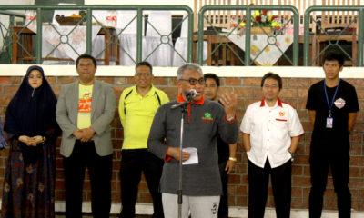 Walikota Depok Mohammad Idris memberikan sambutan di kejuaraan SMADA CUP XI yang didampingi ketua KONI Kota Depok dan jajaran terkait.