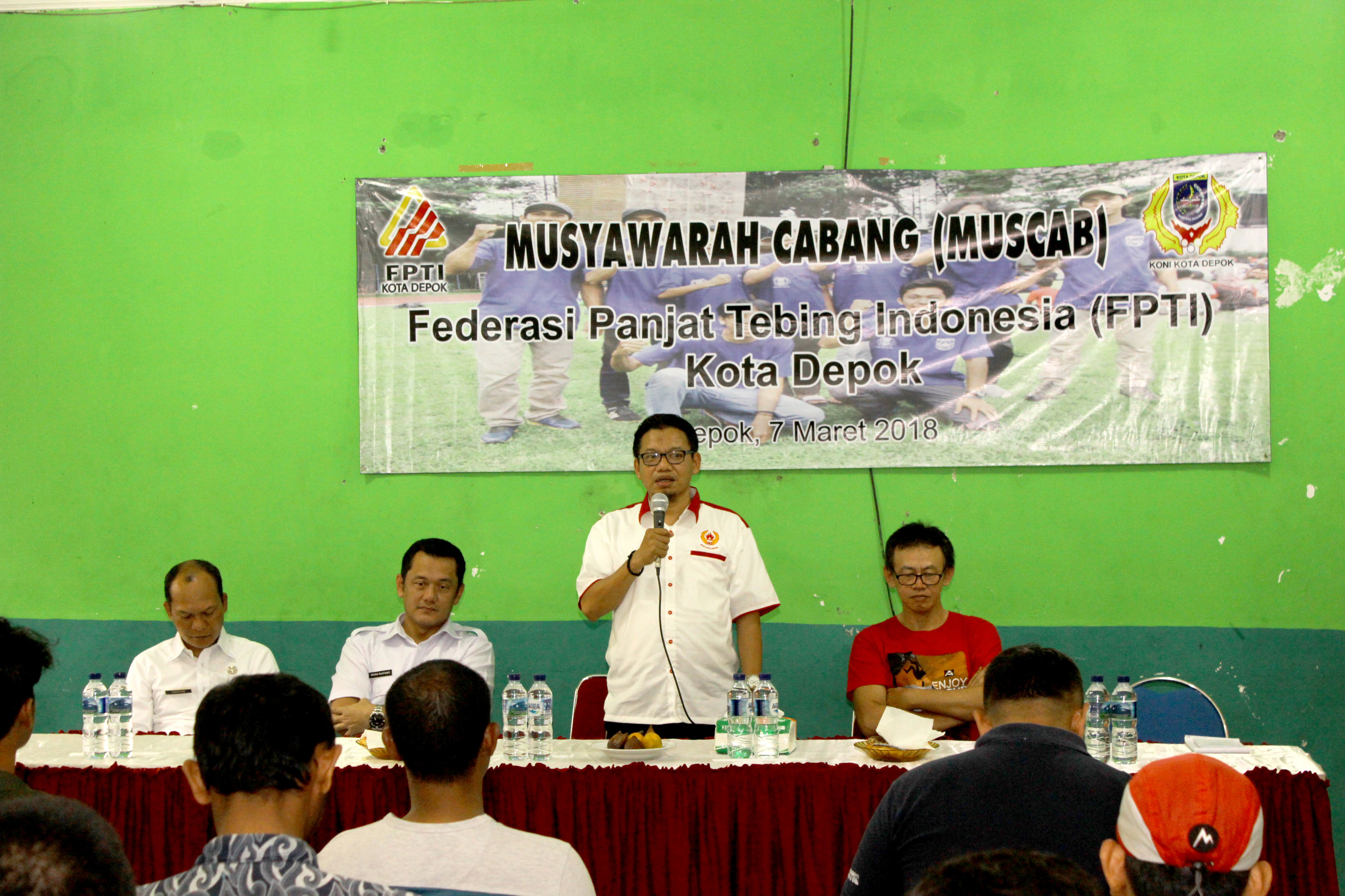 Ir TM Yusuf Syahputra Wakil Ketua 3 Bidang Organisasi saat memberikan sambutan di acara Musyawarah cabang olahraga FPTI Kota Depok.