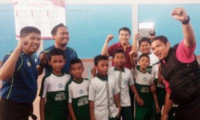 Tim Senam KIT bersama pelajar saat usai melakukan sosialisasi gerakan senam kepada siswa SDIT Nurul Fikri