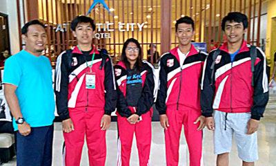 Atlet renang kota Depok didampingi pengurus dan pelatih untuk mengikuti ajang kejurda yang dilaksanakan di Kota Bandung jawa barat