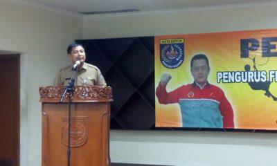 Kadisporyata Wijayanto memberikan sambutan di acara pelantikan FPTI kota Depok periode 2018-2023