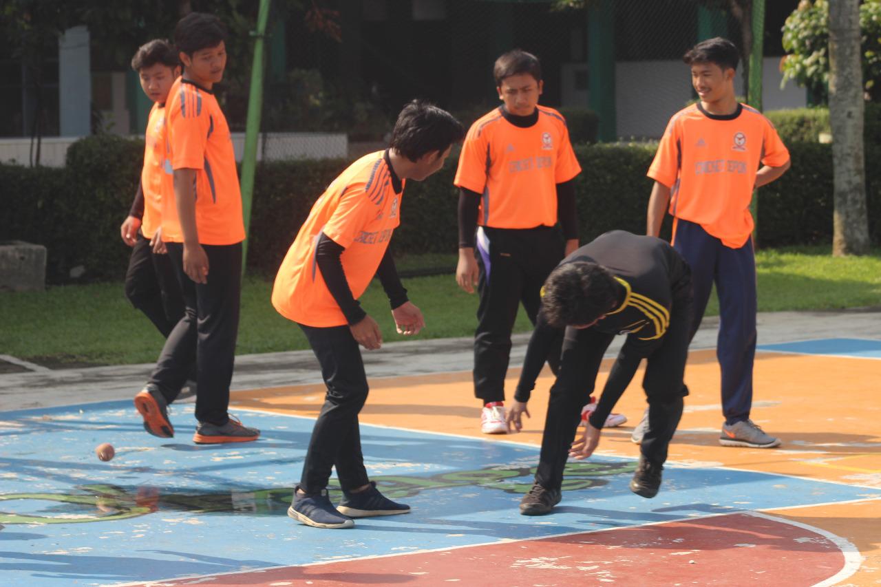 Para atlet Cricket kota Depok berlatih bersama