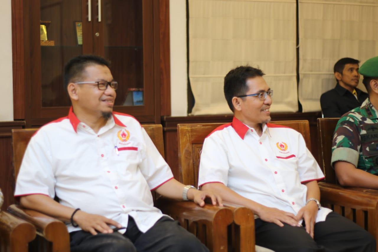Ketua Koni Depok beserta Wakil ketua bidang organisasi menghadiri acara pelantikan Pengcab perbasi periode 2018-2022