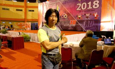 Ketua Pabbsi Kota Depok Saat menonton lansung pertandingan binaraga di Gedung kesenian Pemkab Bogor Jawa Barat