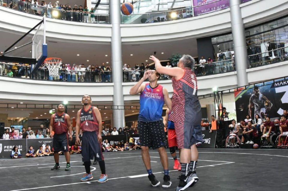 Walikota mengikuti ajang basket 3x3 di Margo city