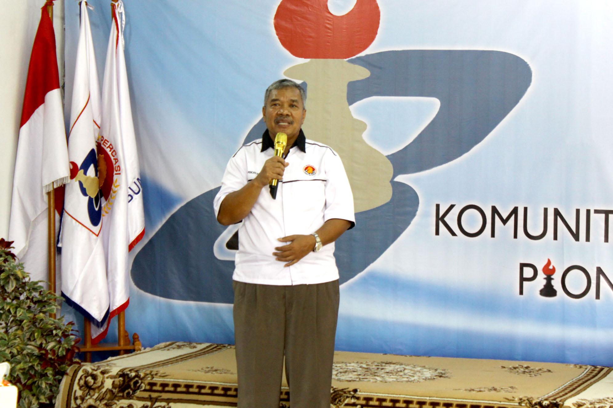 Dadi Rusmiadi Ketua Percasi Kota Depok saat memberikan sambutan diacara pembukaan open turnamen catur Pion 8, Cilodong Kota Depok Jawa barat, (02/03/19).