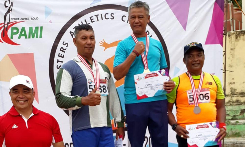 Deni Sabet 4 Medali di Kejuaraan Atletik Master - Komite ...